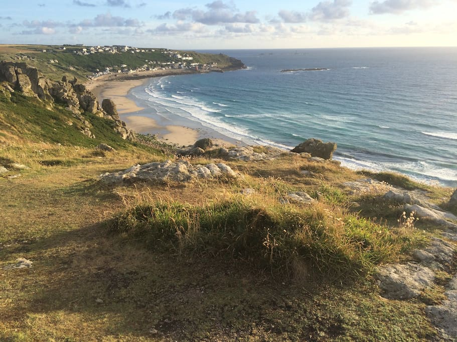 The property is approximately 100 m from the cliff and it's possible to walk to the beach in 10mins.