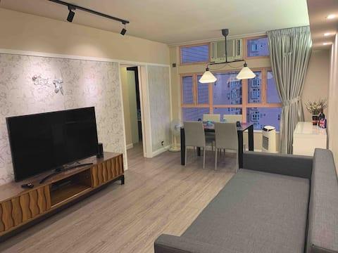 2 BR(600ft)Seaside Apartment at Gold Coast 海邊大兩房單位