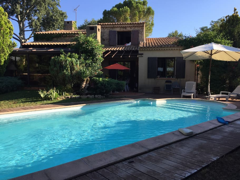 Belle villa cabri s houses for rent in cabri s provence for Piscine cabries
