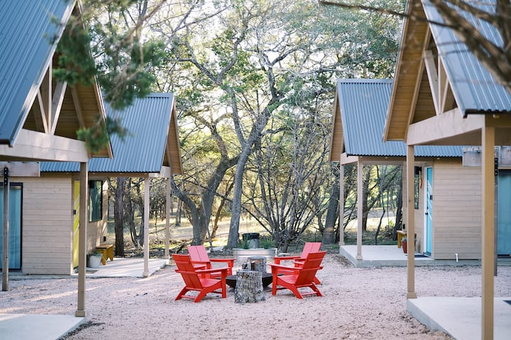 Lucky Arrow Retreat - Courtyard Cabins