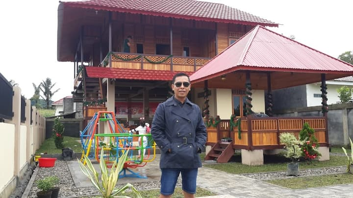 TOMOHON WOODEN HOUSE MANADO
