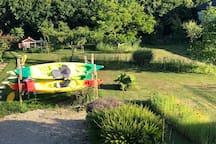Kayaks à disposition avec tout l'equipement