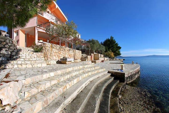 house on the sea ! - Vrana - บ้าน
