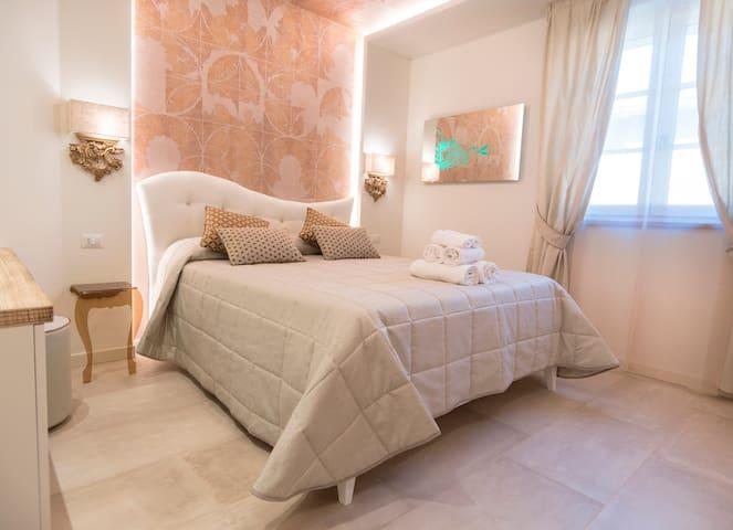 Assisi - Camera matrimoniale con spa e piscina