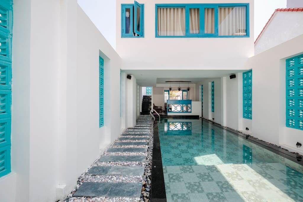 The tempting indoor pool - all yours!