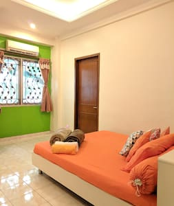 Entire space, apartment at Margonda Depok w/ WIFI