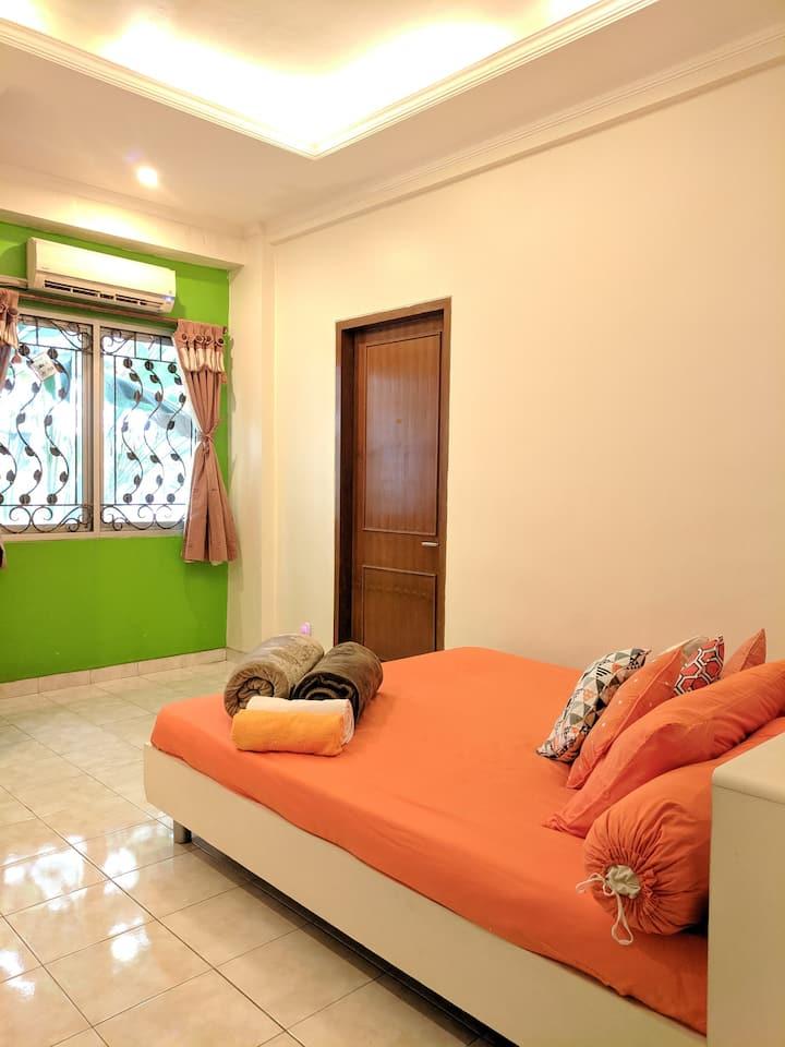 Entire space, apartment at Margonda Depok w/ WIFI