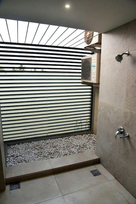 Open Bathroom with rain shower