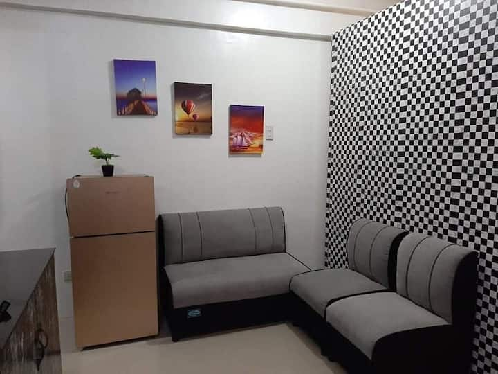 Private. Quiet and Clean room near Airport