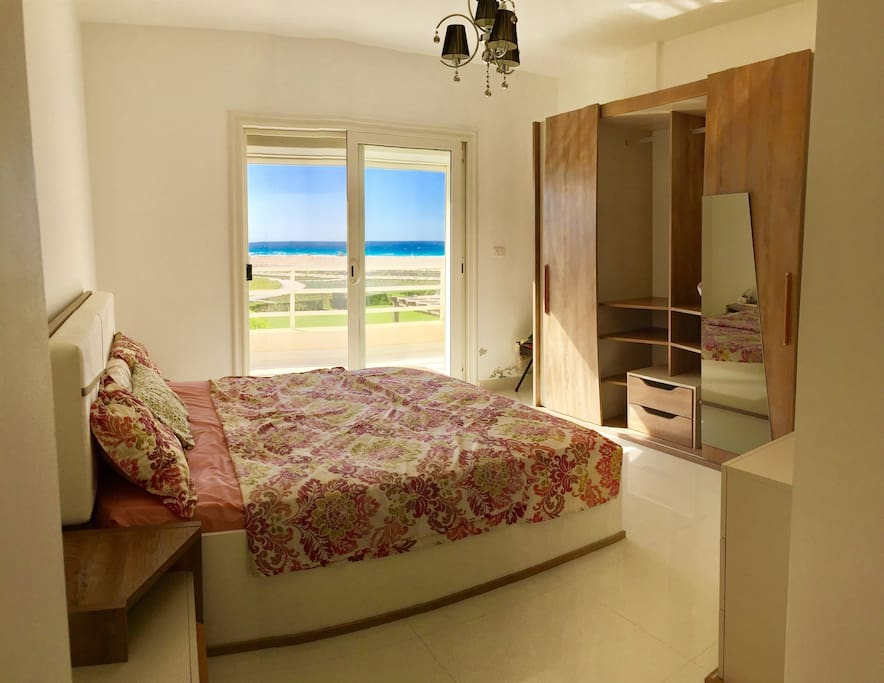 Bedroom 1 (Master) with sea view