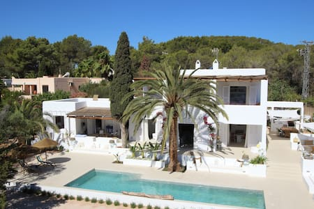 Amazing villa in Ibiza close to the beach
