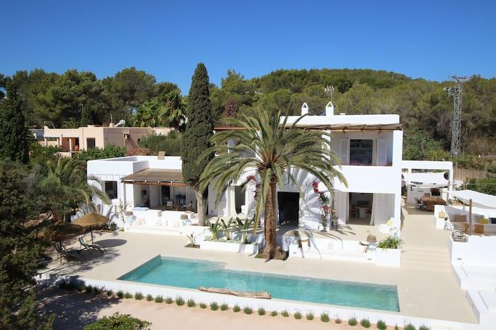 Amazing villa in Ibiza close to the beach
