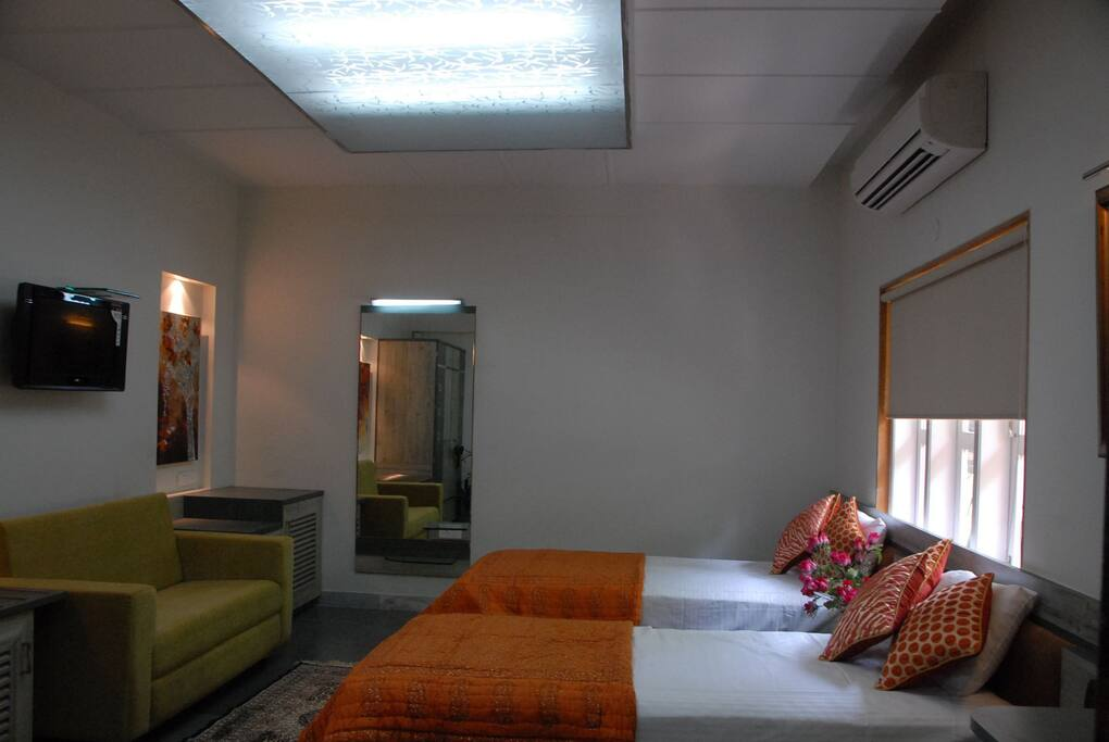 Adequate natural lighting for large broad windows