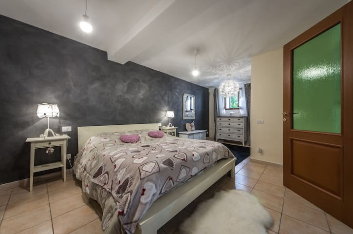 Stylish Apt Close to Siena - Monteriggioni - Lägenhet