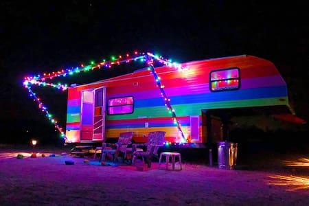 Color Trip Trailer - Desert Retreat