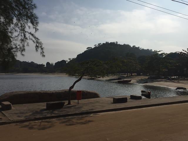 Casa na Praia da Moreninha