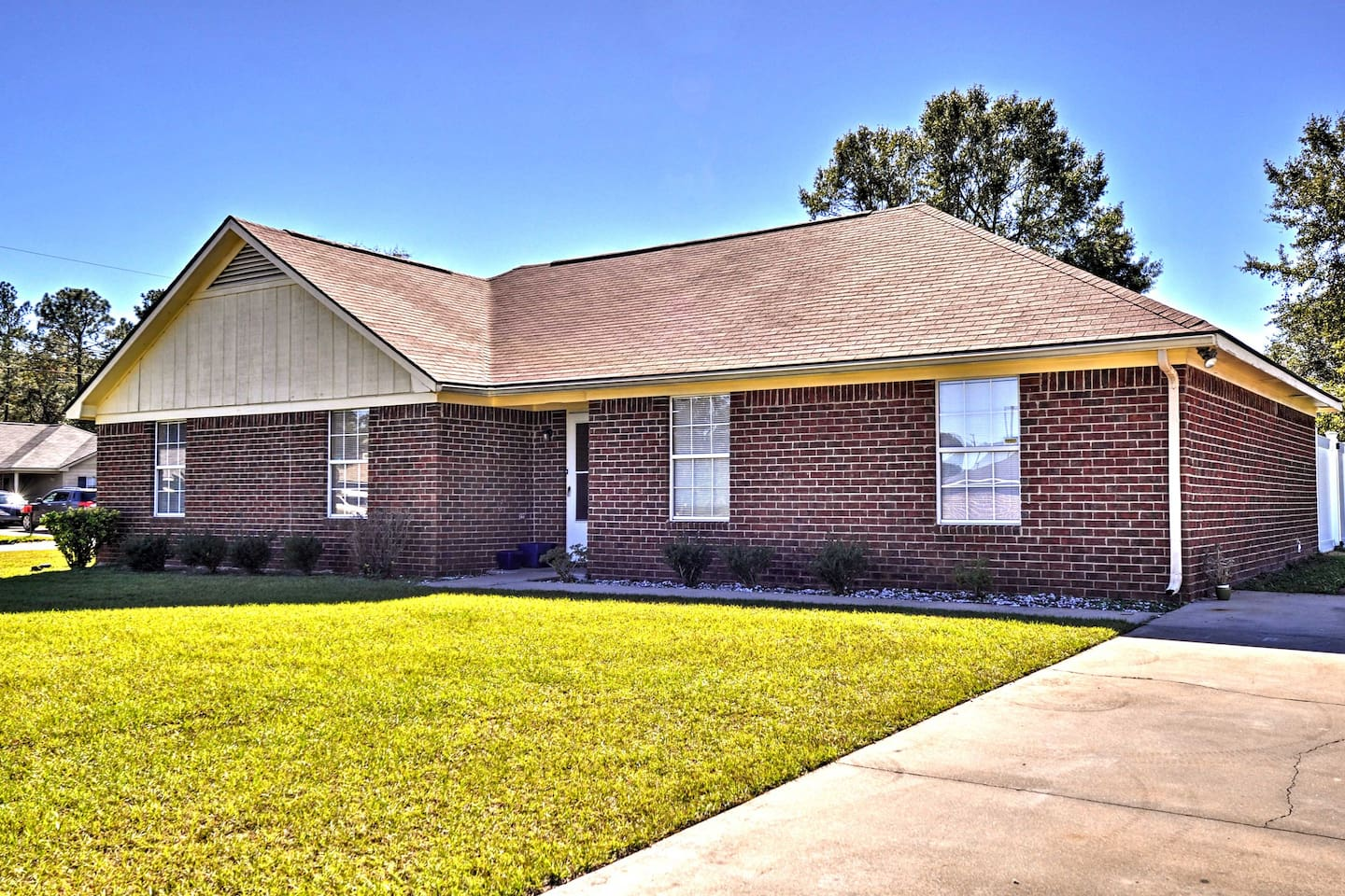 Feel right at home in this 4-bed, 2-bath unit near from Fort Stewart Army Base.