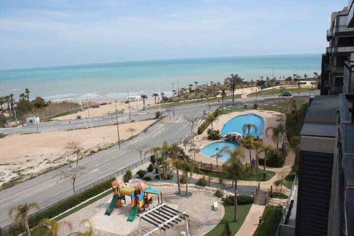 Apartamento de lujo en primera linea de Playa. - Mil Palmeras - Flat