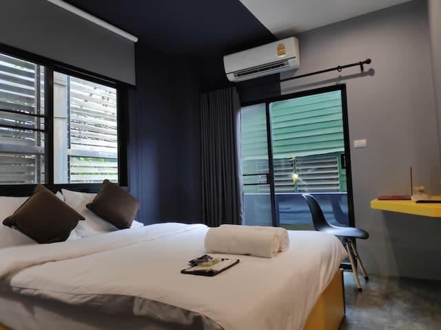 Huai Khwang MRT 3mins walk 200M /Elegance Room