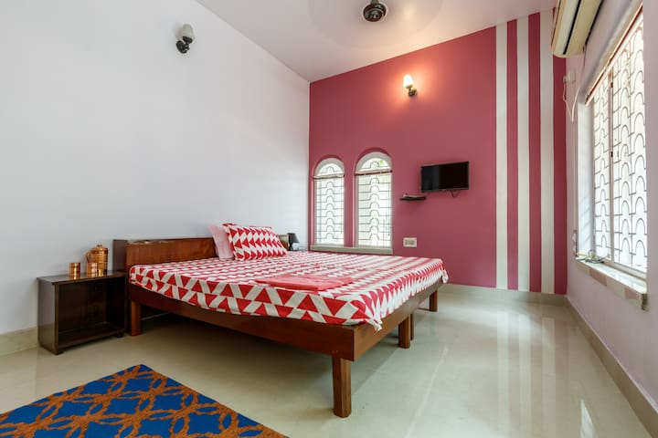 AT REST HOUSE -Pink Room
