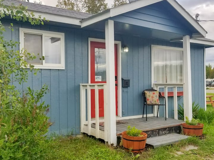 Cozy, clean & conveniently located in Big Lake