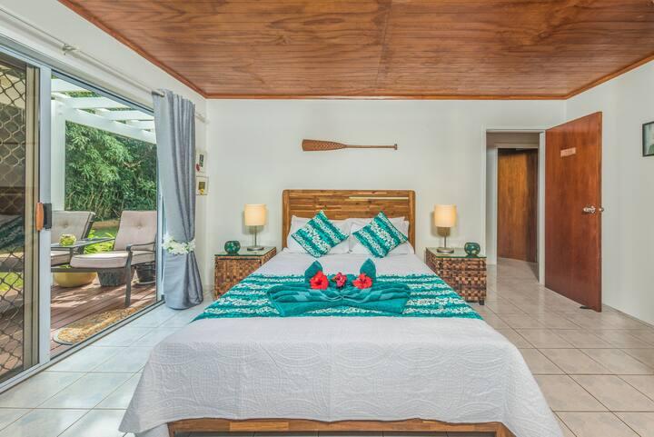Te Manga Retreat - With  Pool in Avarua