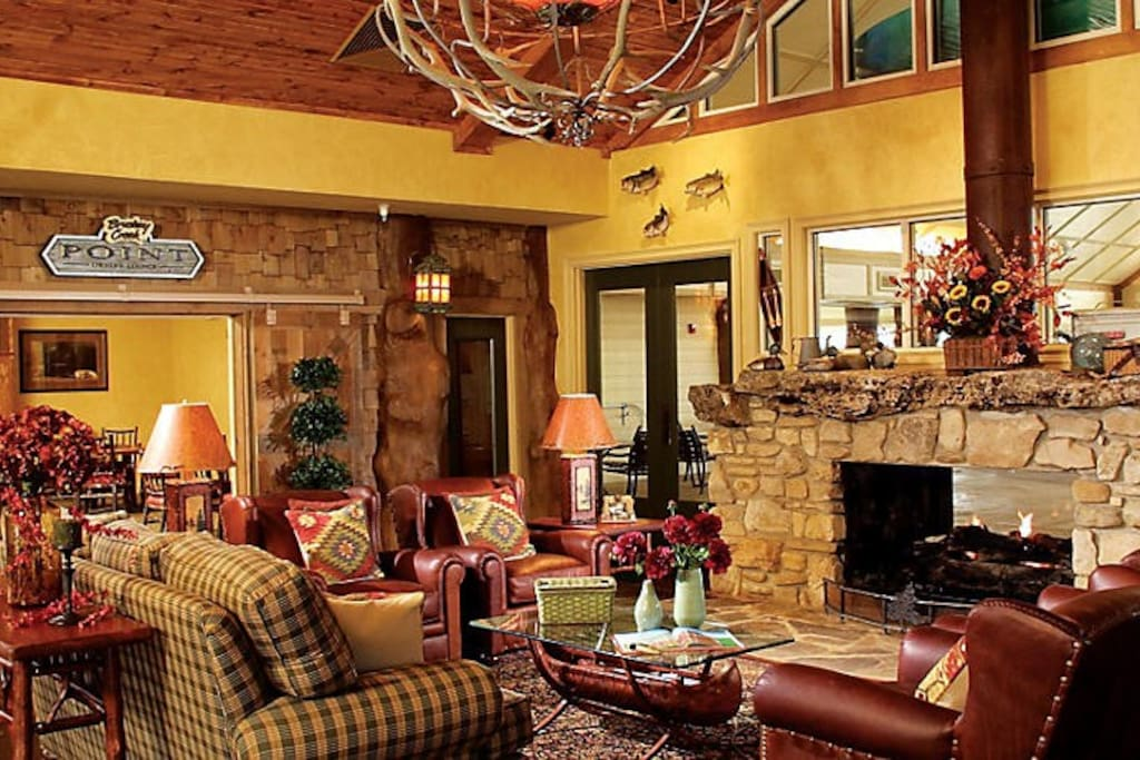 WILDERNESS CLUB LOBBY