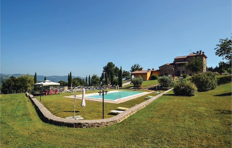Holiday apartment with 3 bedrooms on 100 m² in Cittá di Castello -PG-