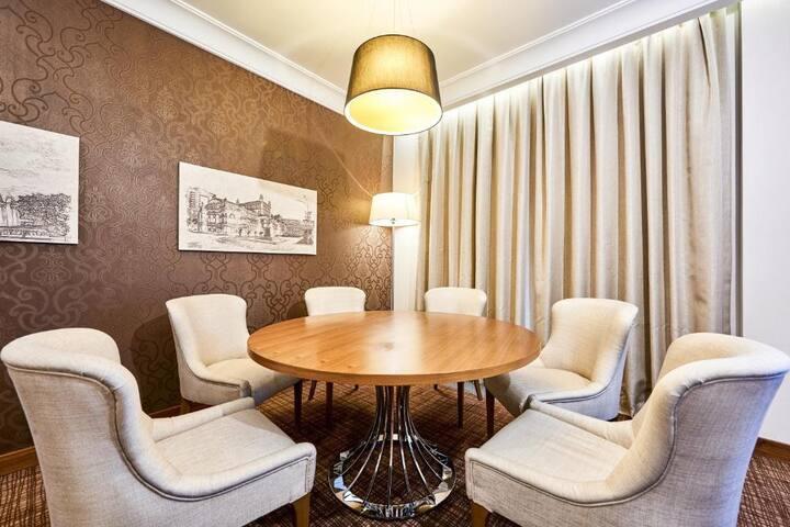 Elegant Junior Suite Standard At Kiev