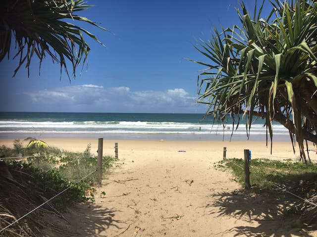 Across from beach - Sunshine Coast - Maroochydore - Apartamento