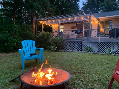 Charming Cottage on Pristine Mink Lake