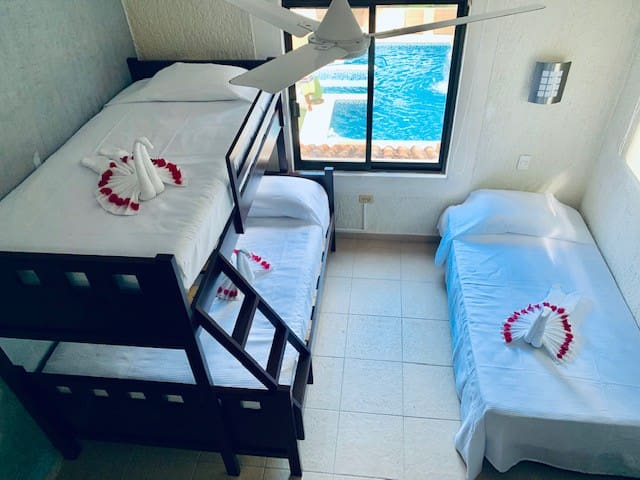 Suite Pool View Bunk bed + Single bed
