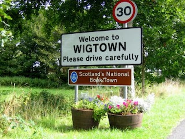 Wigtown Womens Rooms - Virginia - Wigtown