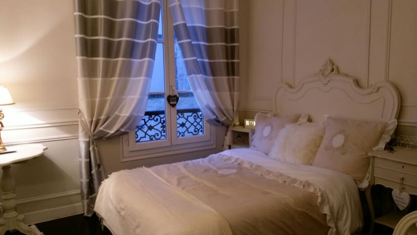 Luxury Apartment 100m from Moullin Rouge - París - Departamento