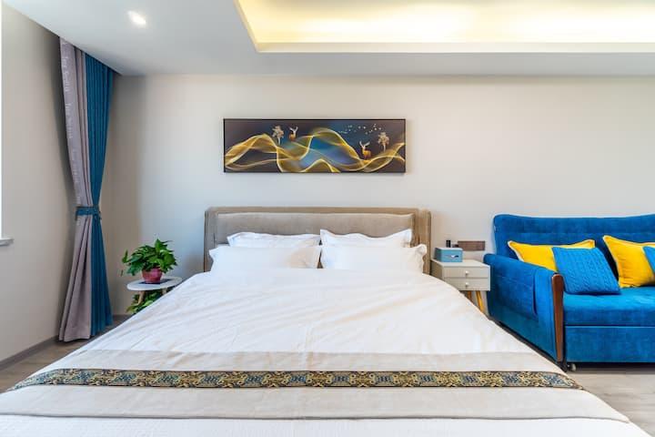 未来城温馨舒适民宿—房间干净整洁,设施配置齐全新,可做饭,24小时热水,繁华的商业圈,交通便利安全。