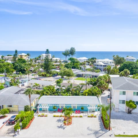 Cast Away Unit  A on South  Manasota Key