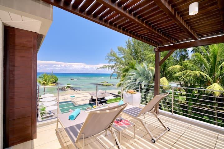 Bon Azur Beachfront 1 Bedroom Penthouse by LOV