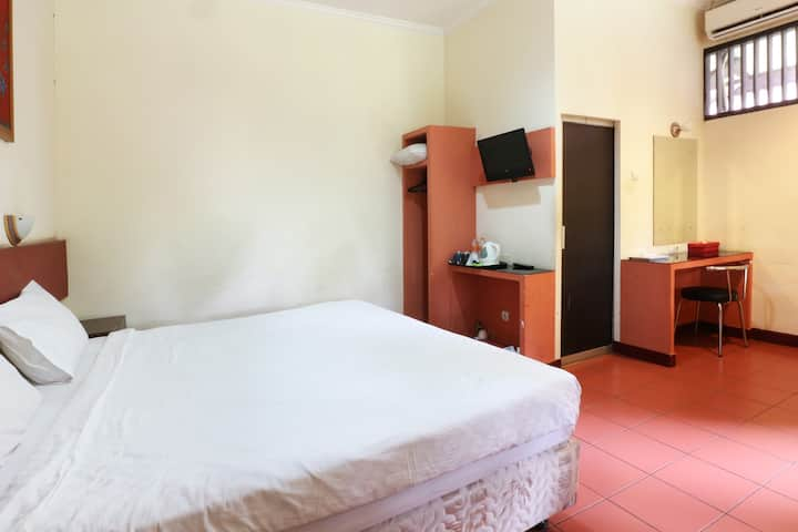 Comfy Studio for 2 at Hotel Desa Wisata