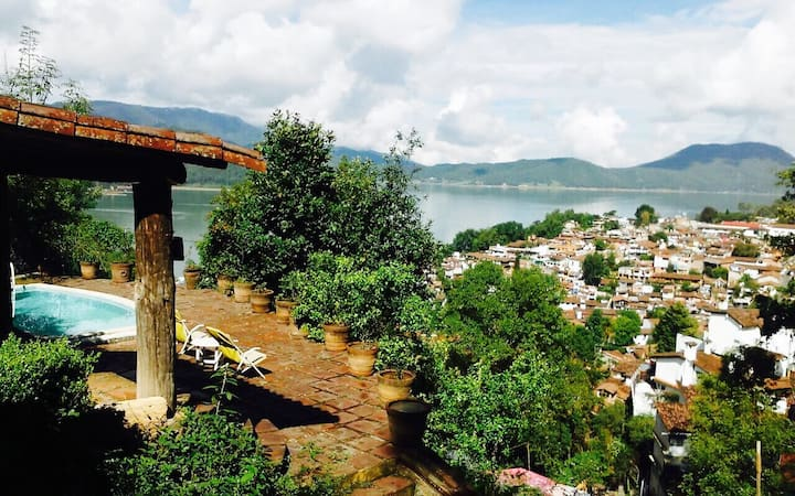 Wonderful Mexican house in Valle de Bravo