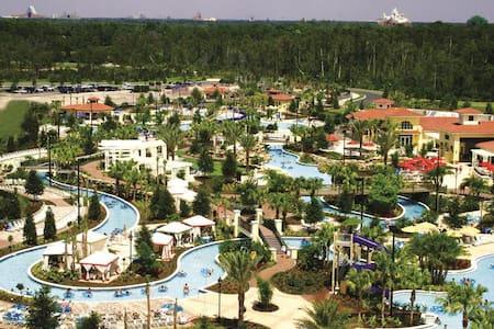 Holiday Inn Club // DisneyWorld - Kissimmee