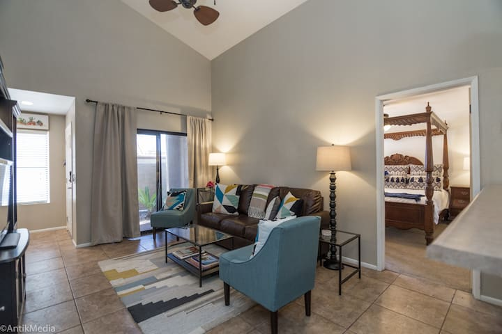 Terrific Tempe Townhome is your Desert Dream!10ppl