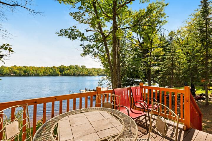 NEW LISTING! Lakefront cabin w/ wooden touches & incredible water views- dogs ok