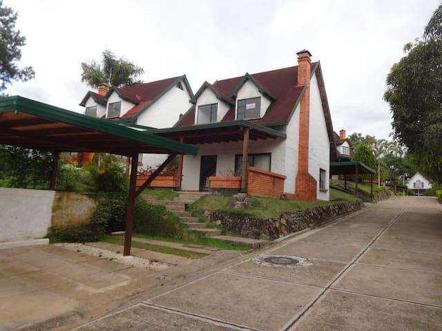 Confortable cabaña en Ruitoque
