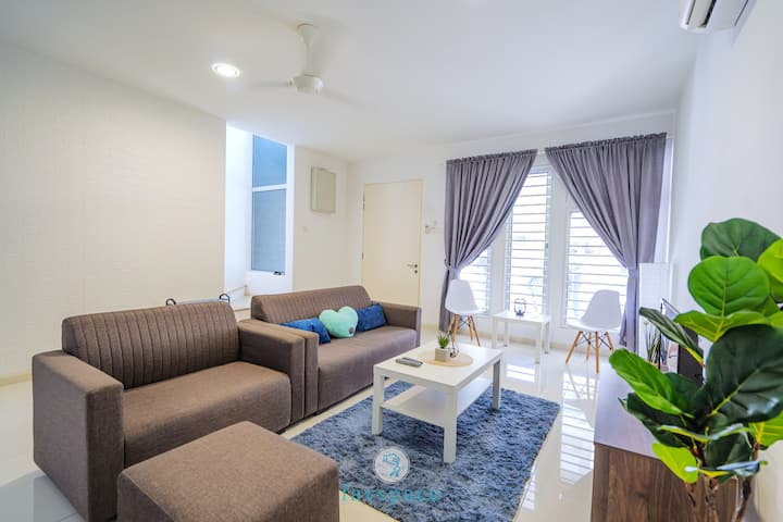 Spacious House Perfect for Getaway w/King Bed 中文房东