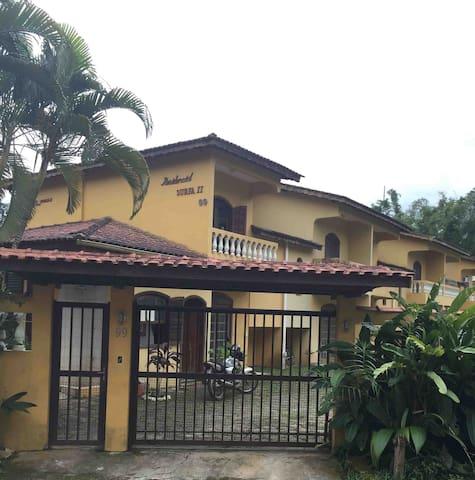 Casa em Juquei- condomínio fechado - São Sebastião - Condo
