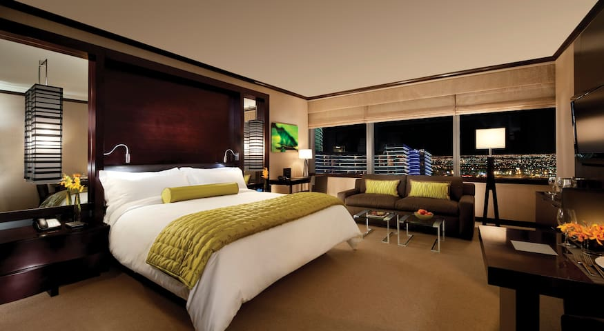 Studio Suite in the center of all the action-Vdara