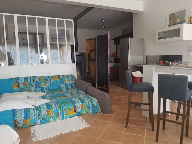 Appartement loft, rez de villa, piscine