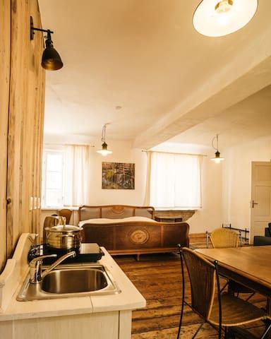 Apartamenti Adatu iela 5-1