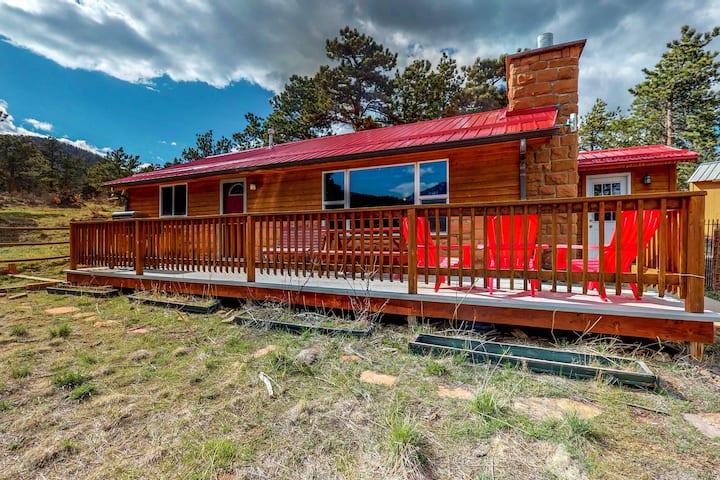 Quaint dog-friendly cabin w/ a porch & gas grill - lake & mountain views!