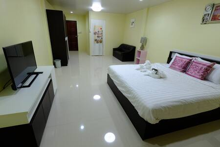 Donmueang Airport Residence Hostel - Townhouse